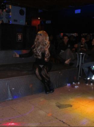 Tina Pit haciendo lipsync. Foto de: Luis Gómez Echeverri.