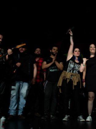 Todos los músicos de Alianza Rock junto a María Carolina Dávila (der) cerrando el concierto con la mejor energía. Foto de José Rojo.