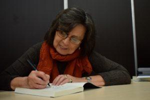 Los divinos, la novela de Laura Restrepo contra el feminicidio -