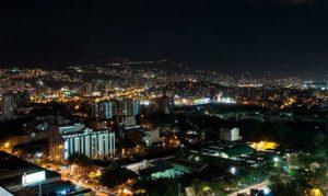 """Llanto (o en una calle de """"ciudad feliz"""") - literatura"""
