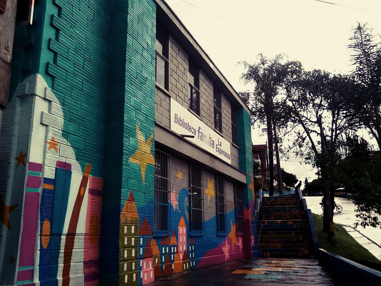Biblioteca Fundación Familia La Esperanza, 50 años abierta al saber - literatura