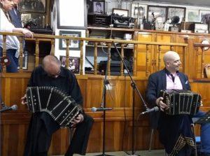 Músicos durante presentación Salón Malaga. Fotografía por Paula Pinzón
