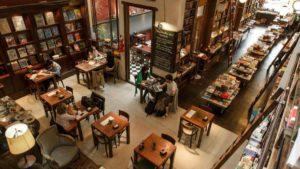 Un café en Buenos Aires y una reseña en Medellín - literatura
