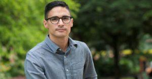 Juan Esteban Villegas, descubrir a Colombia en sus poesías y violencias -