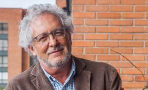 """Héctor Abad Faciolince: """"El espejo de la vida es una imagen que no se puede borrar"""" - Fiesta del libro"""