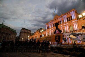 Maradona un trágico ícono latinoamericano. - El Cronicario