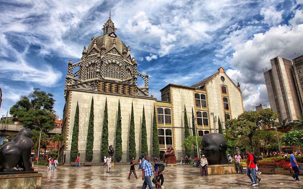 La agonía de la Plaza de Botero - dialogos-con-la-cultura